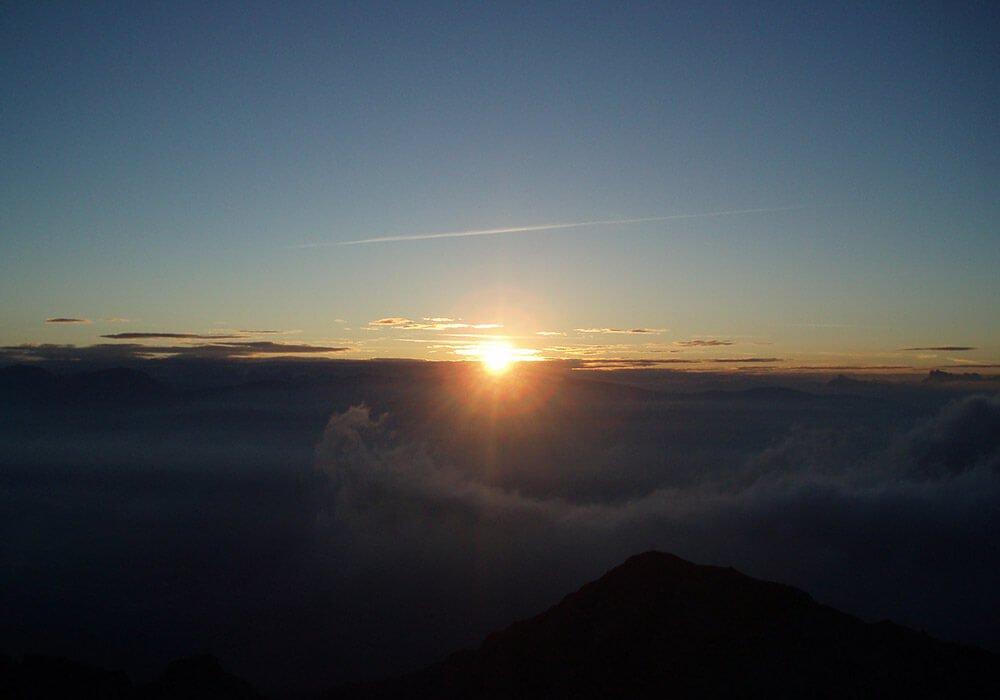 Urlaub auf dem Bauernhof Meraner Land - Sonnenaufgang